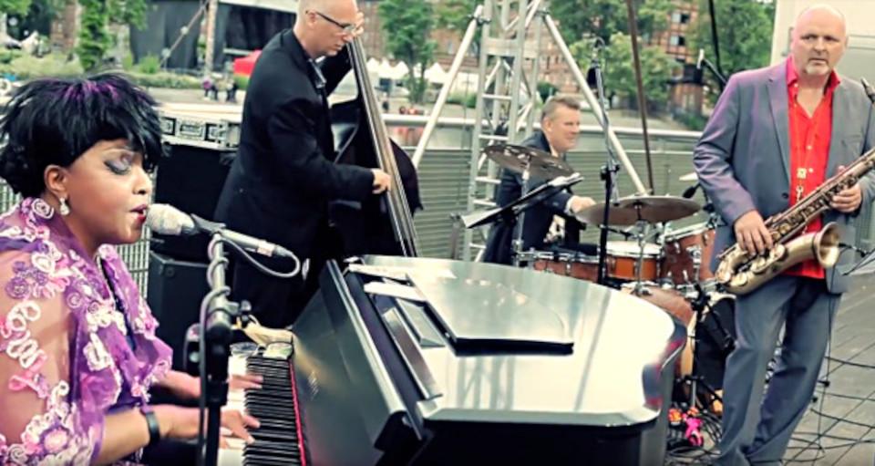 Karen Edwards & Eljazz Trio
