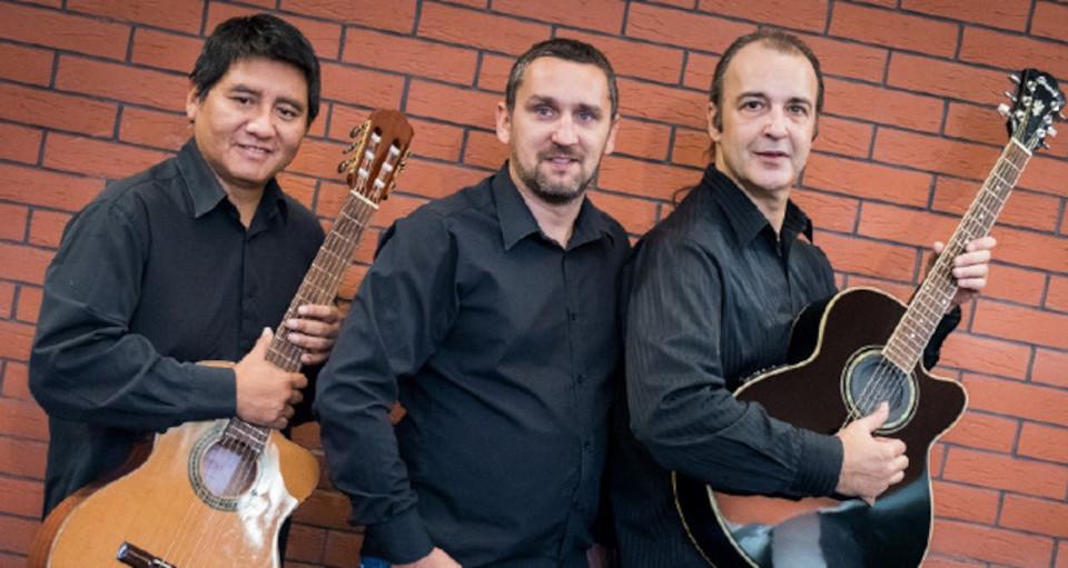 En la Sombra Trio